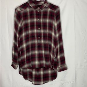 American Eagle high low plaid button front